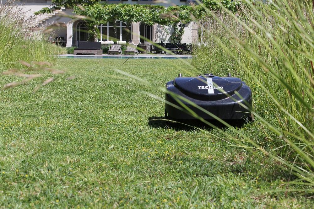Jacquet SA - tondeuse robot